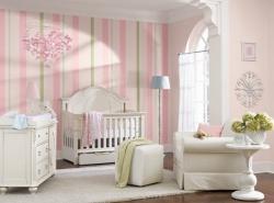 <p><em><strong>Светлая детская комната для новорожденного. Ремонт и отделка.</strong></em></p>