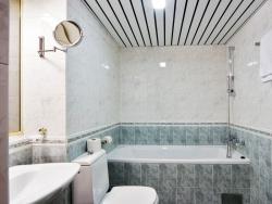 <p><em><strong>Ремонт и отделка ванной: дизайн ванной и туалета.</strong></em></p>