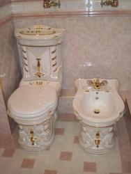 <p><em><strong>Ремонт и отделка туалета:&nbsp; дизайн туалета.</strong></em></p>