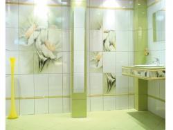 <p><em><strong>Дизайн плитки в ванной - Тема цветы. Ремонт и отделка.</strong></em></p>