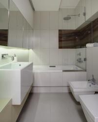 Фото интерьера ванной совмещенной с туалетом