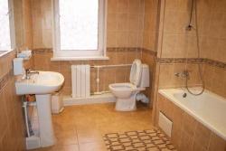 <p>Планировка совмещенной ванны с туалетом</p>