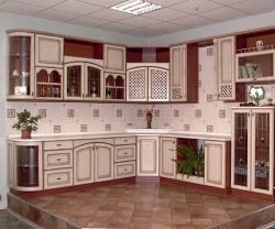 Ремонт и отделка кухни: дизайн угловой кухни совмещенная с гостиной.