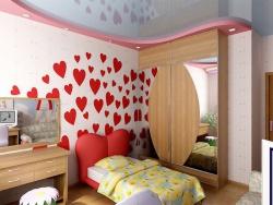 <p><em><strong>На стене использованы элементы сердечек. Особенно актуально для ремонта детской комнаты&nbsp; для девочек.</strong></em></p>